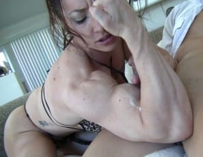 Female muscle porn star BrandiMae is giving her neighbor a quad job