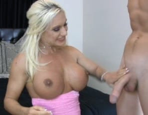 Female muscle porn star Ashlee Chambers tips her movers by giving them hand jobs and blow jobs