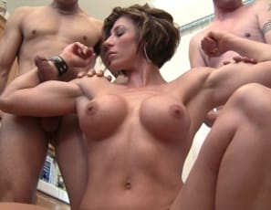 Female muscle porn star Mistress Amazon doesn't like the male hair and makeup artists
