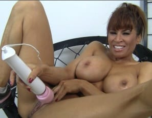 Devon Michaels puts a big vibrator right on her clit