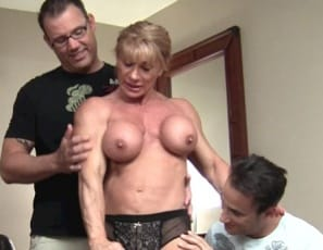 WildKat meets her biggest fans and lets them worship her naked muscles